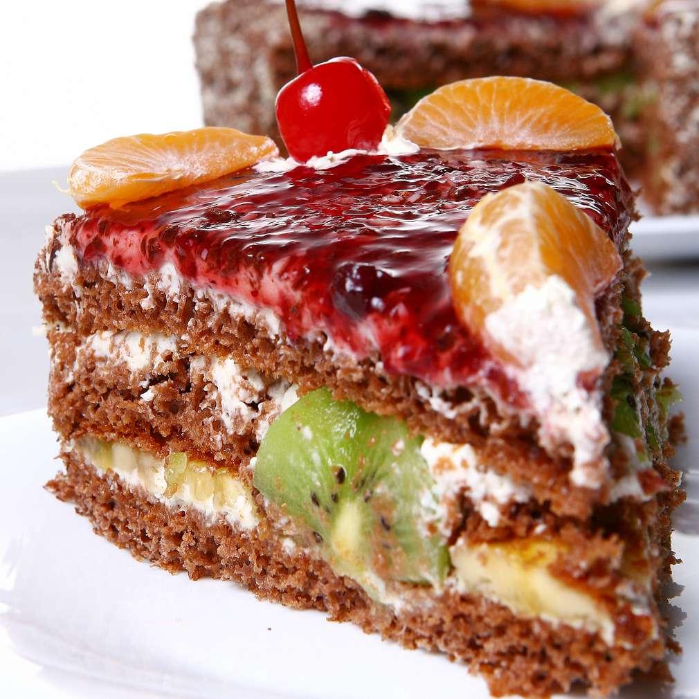 Imaginea rețetei Tort cu fructe și cacao