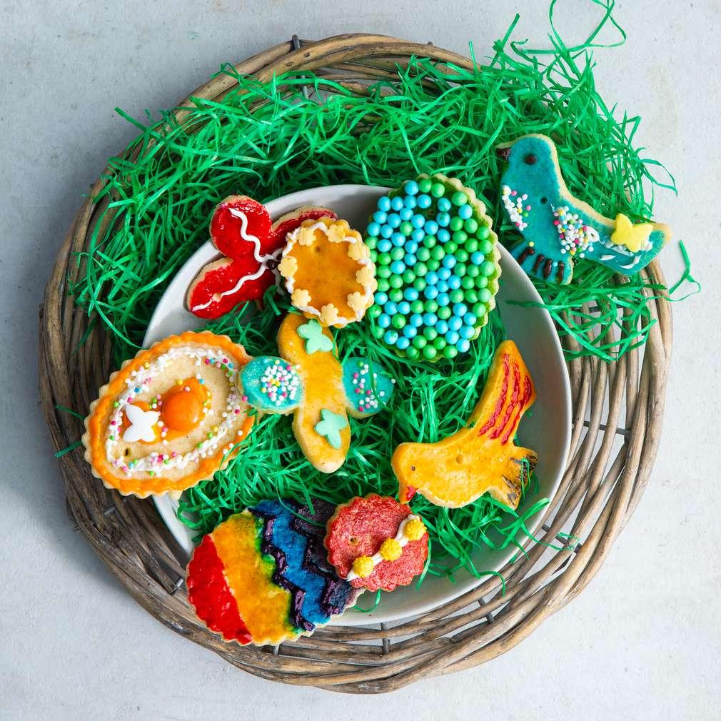 Abbildung des Rezepts Bunter Osterplätzchen-Schmuck