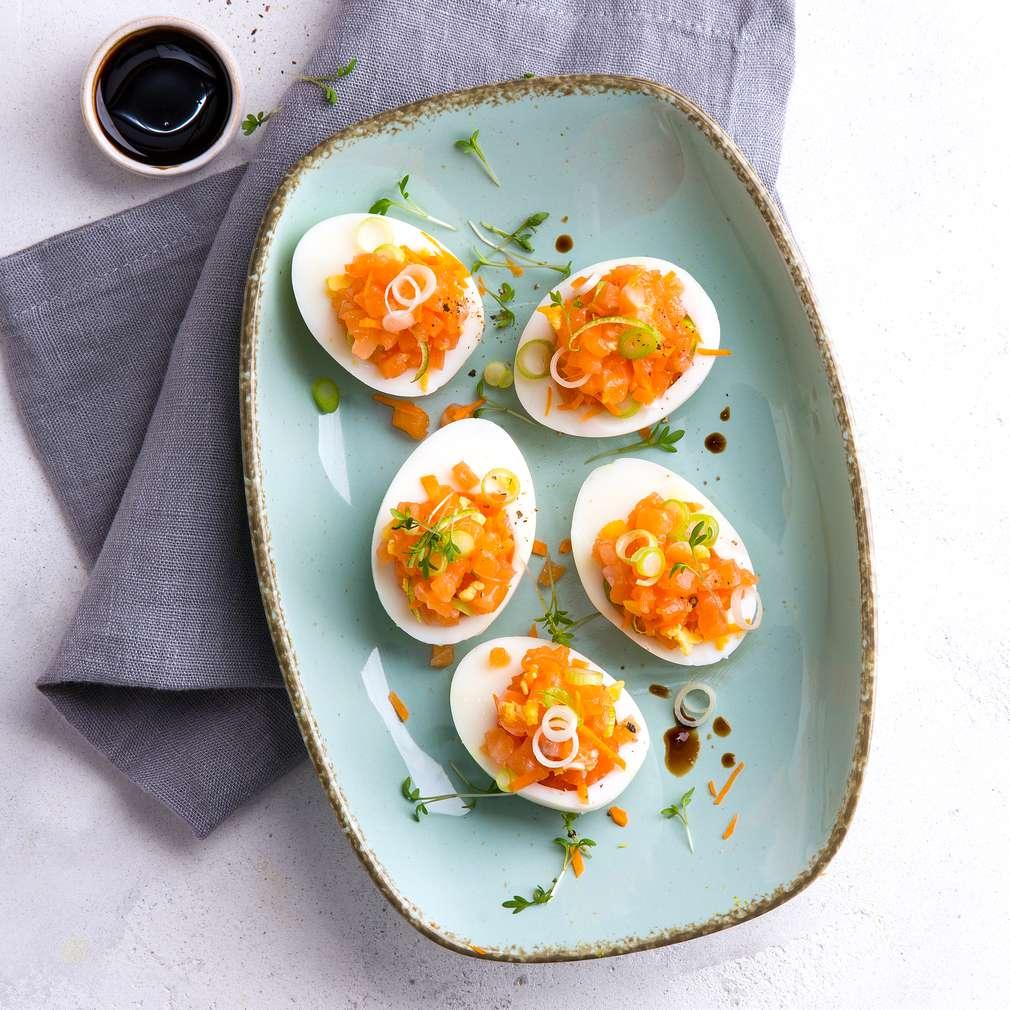 Abbildung des Rezepts Gefüllte Eier mit Lachstatar