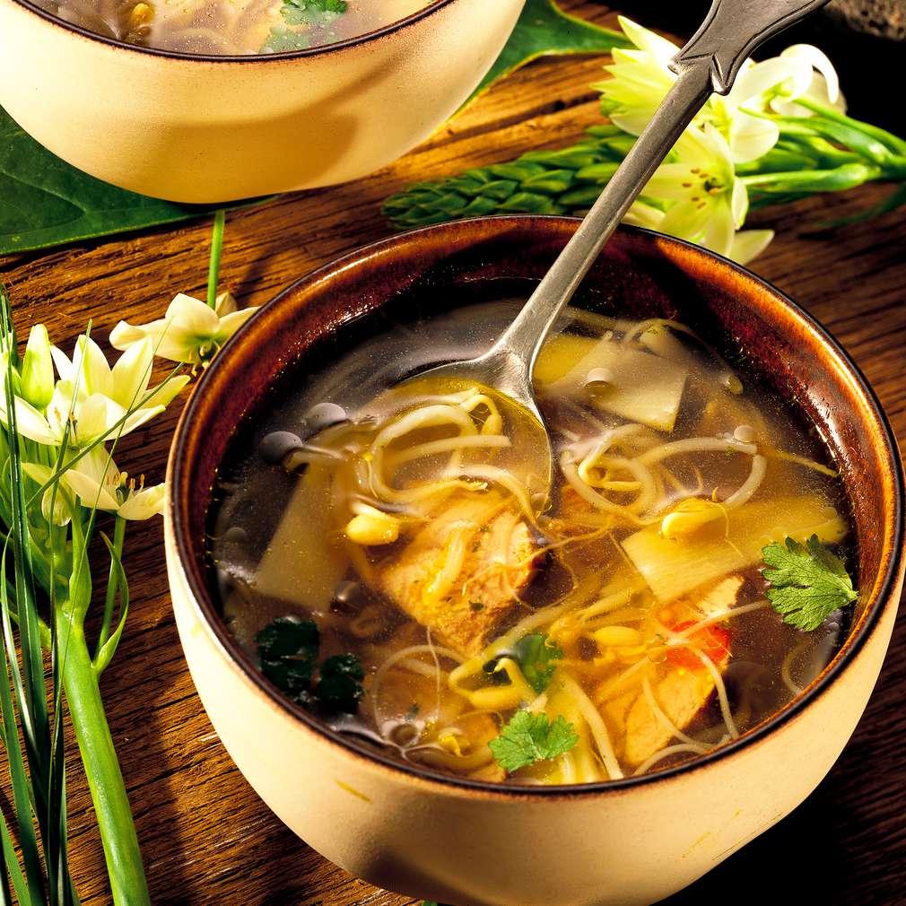 Zobrazit Nudlová polévka Bangkok receptů