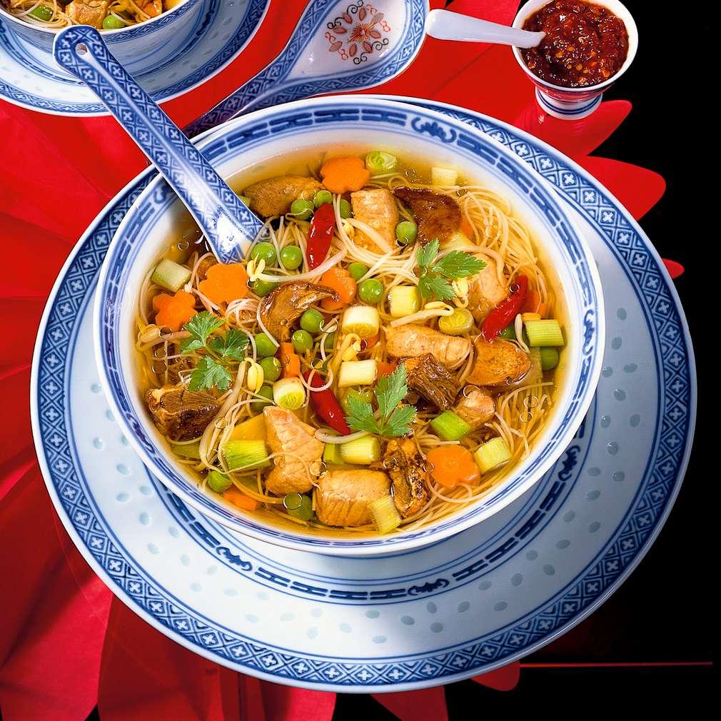 Zobrazit Čínská pikantní polévka receptů