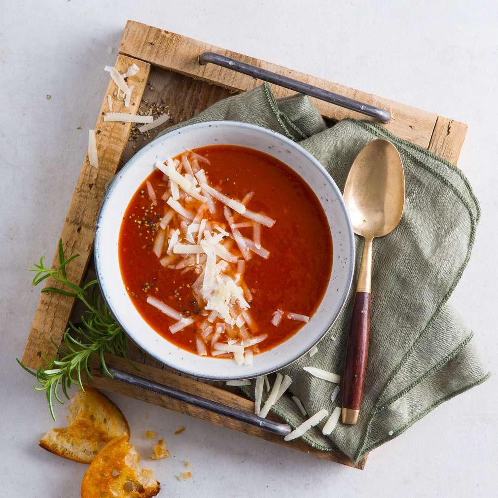 Zobrazenie receptu Paradajková polievka s parmezánom