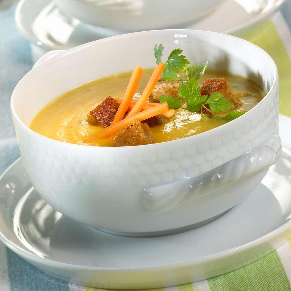 Zobrazit Krémová zeleninová polévka s bylinkami receptů