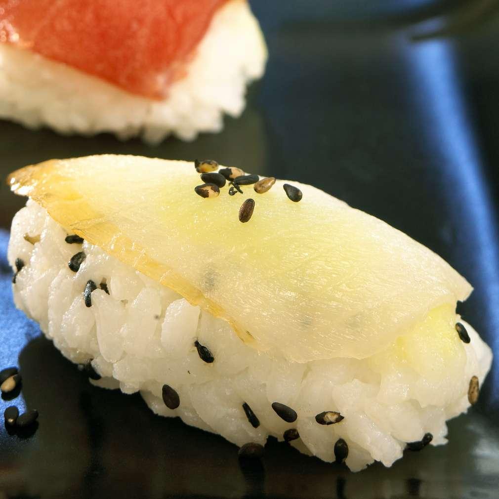 Zobrazit Nigiri s halibutem receptů