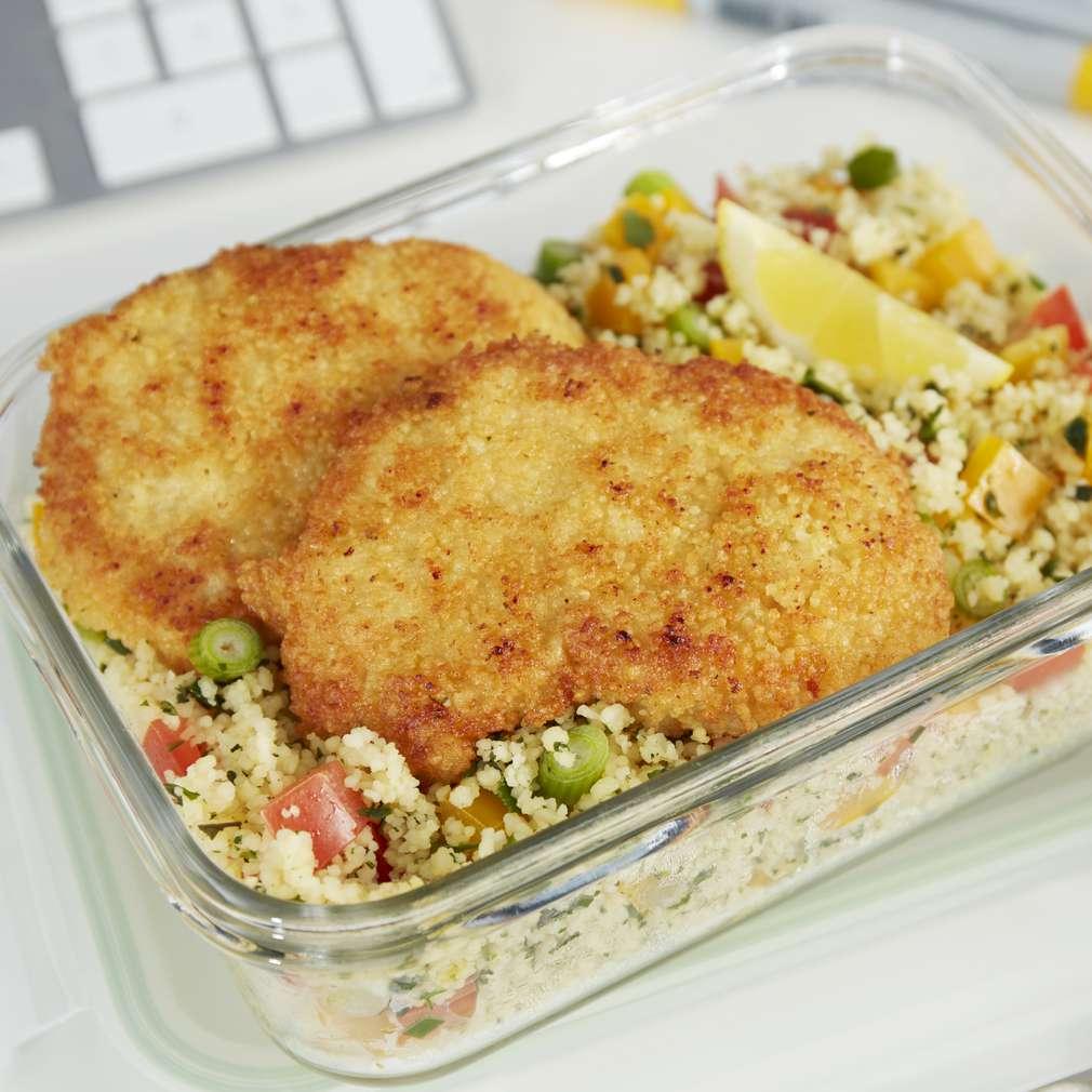 Abbildung des Rezepts Knusperschnitzel mit Couscous-Salat