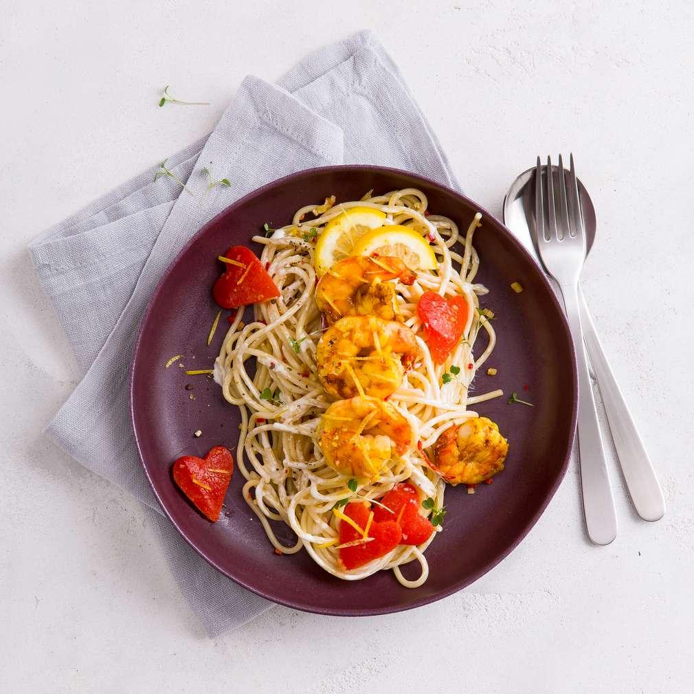 Abbildung des Rezepts Spaghetti in Zitronensahne mit Garnelen und Paprika
