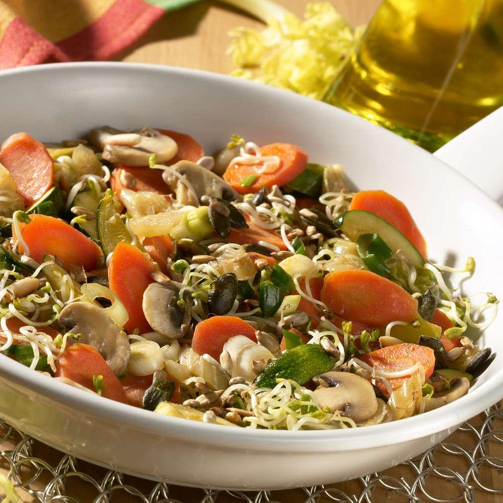 Zobrazit Restovaná zelenina s klíčky receptů
