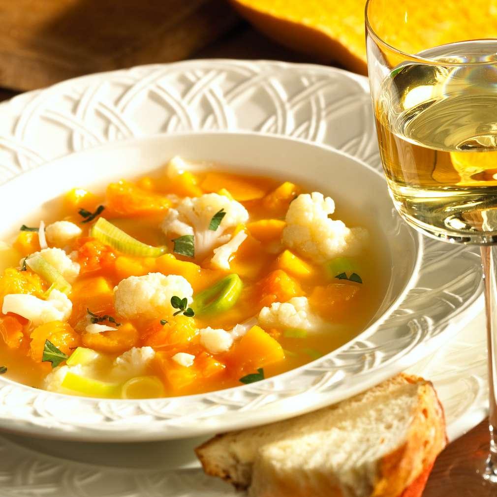 Zobrazit Zeleninová polévka s dýní receptů