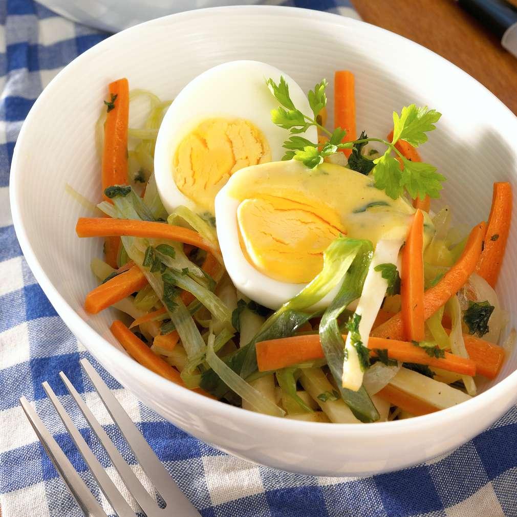 Abbildung des Rezepts Gekochte Eier auf Gemüsenestern