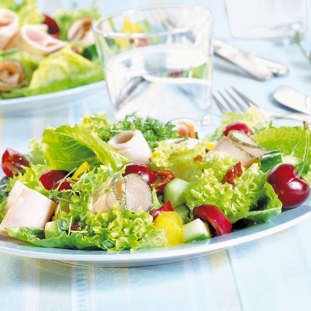 Abbildung des Rezepts Sommersalat mit Kirschen