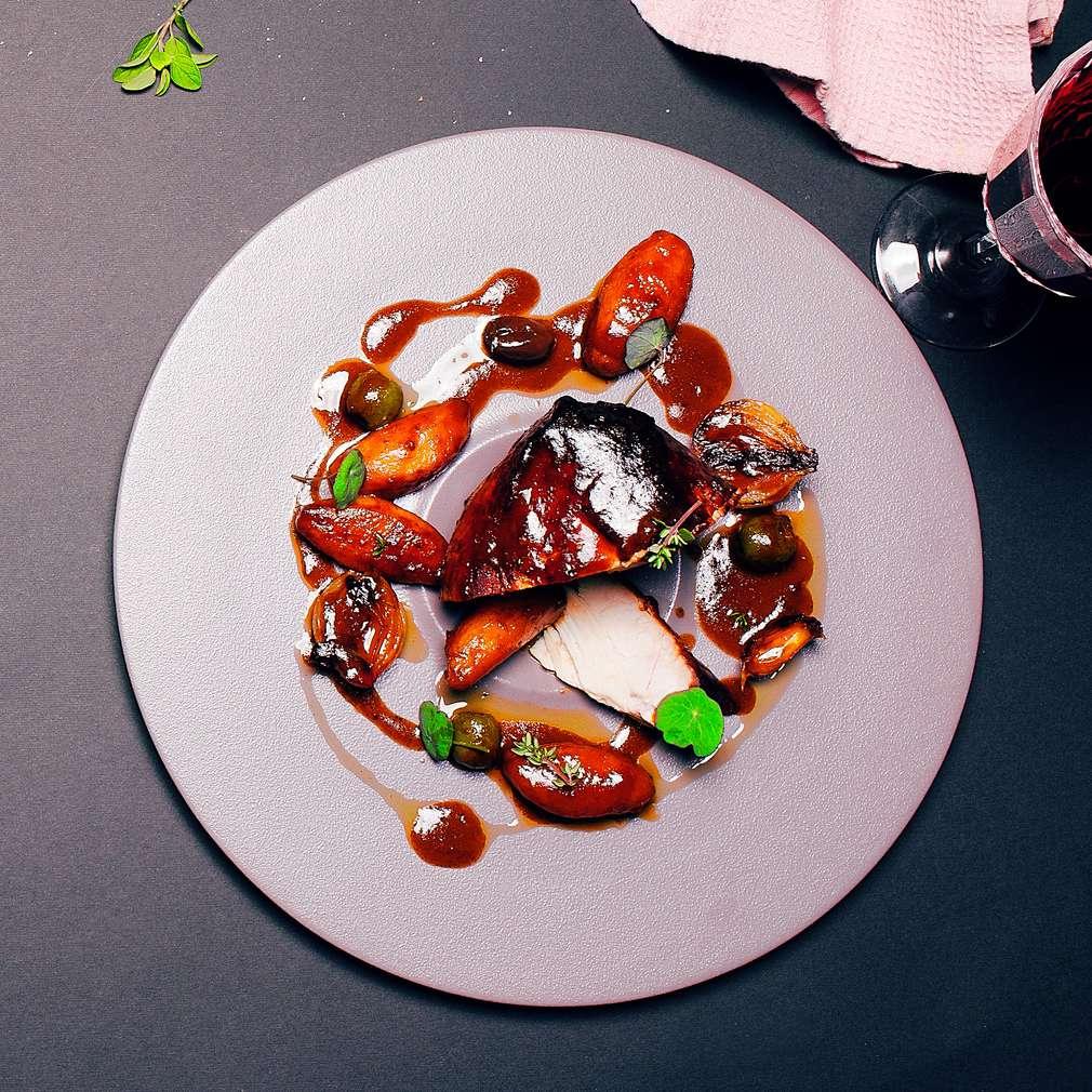 Pulpă de purcel fără os | Rețetă de Chef Samuel