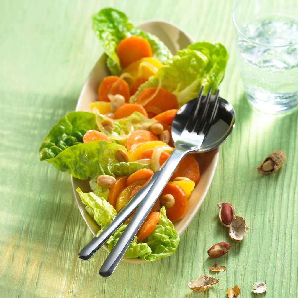 Abbildung des Rezepts Orangen-Ingwer-Salat mit Erdnüssen