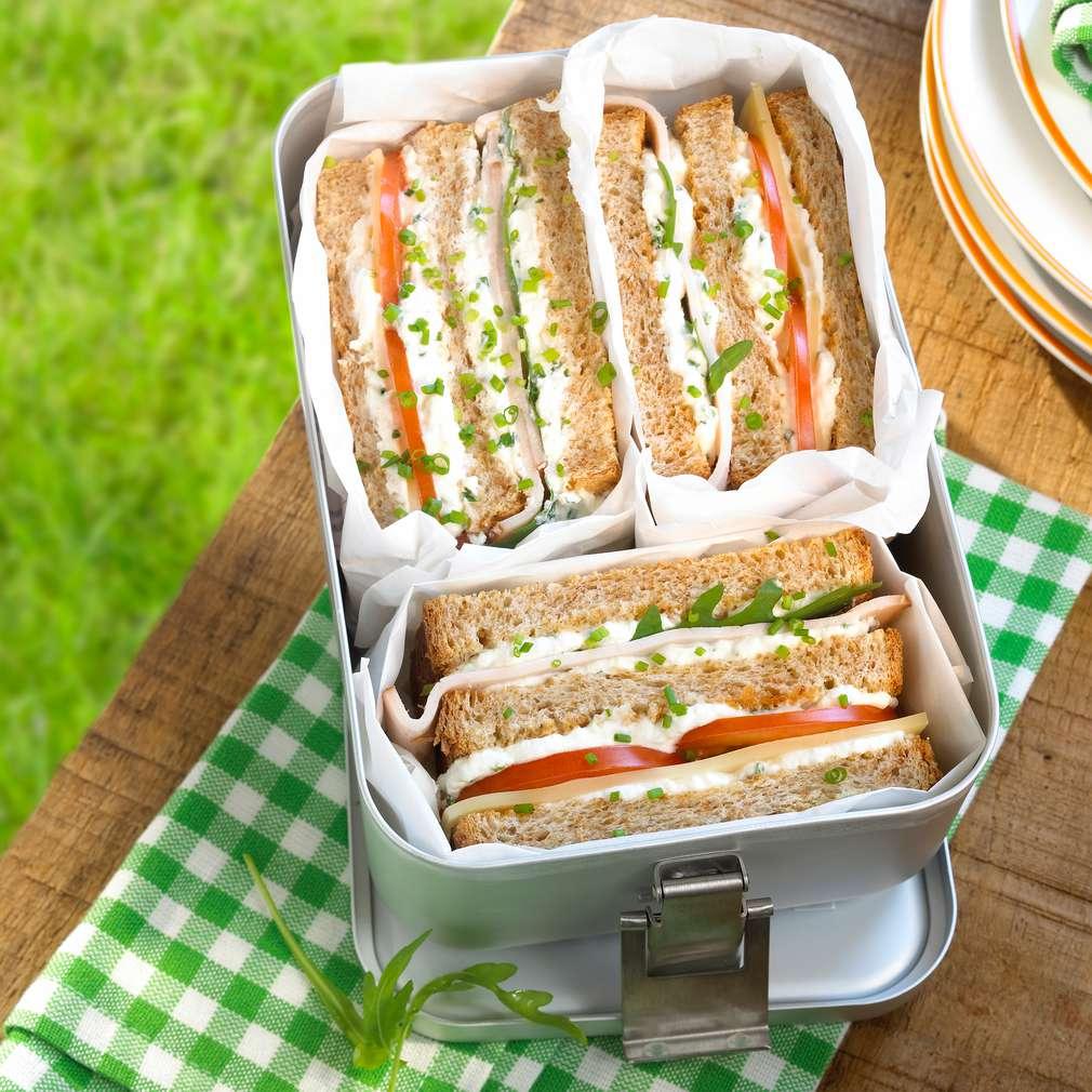 Zobrazit Sýrové club sendviče receptů