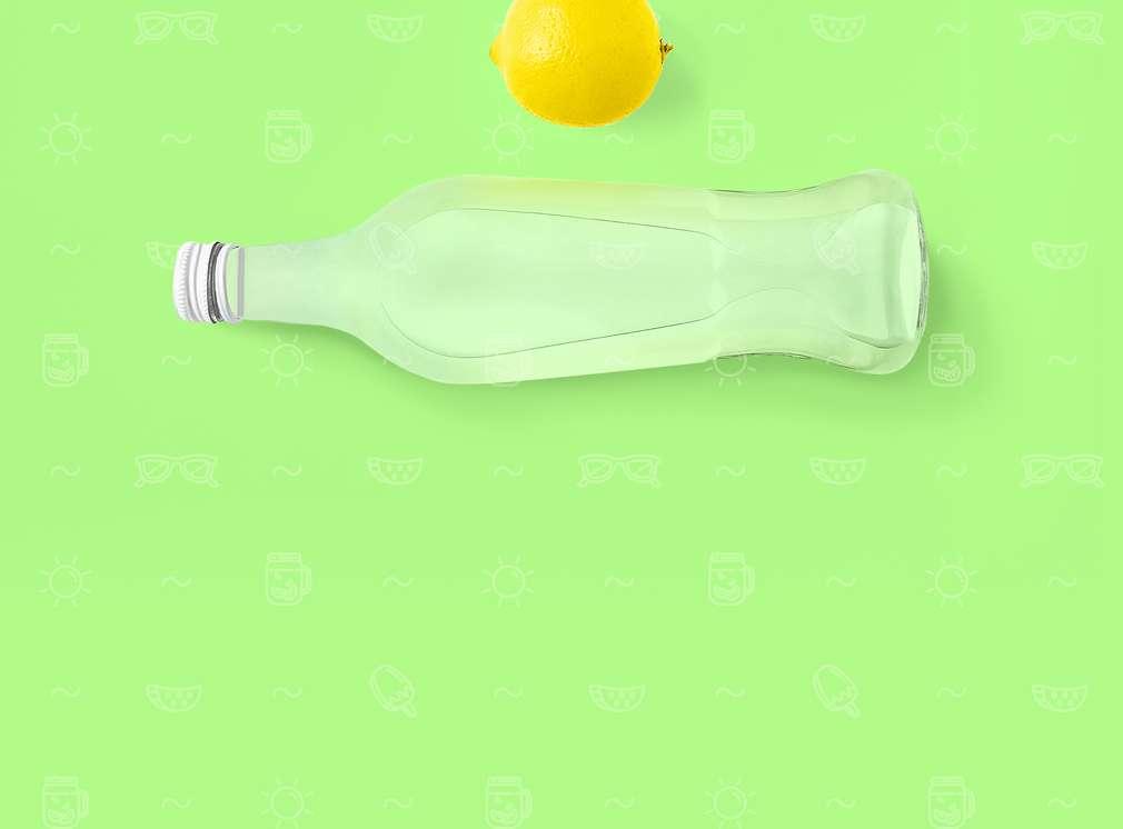 Изображение на шише, пълно с газирана напитка