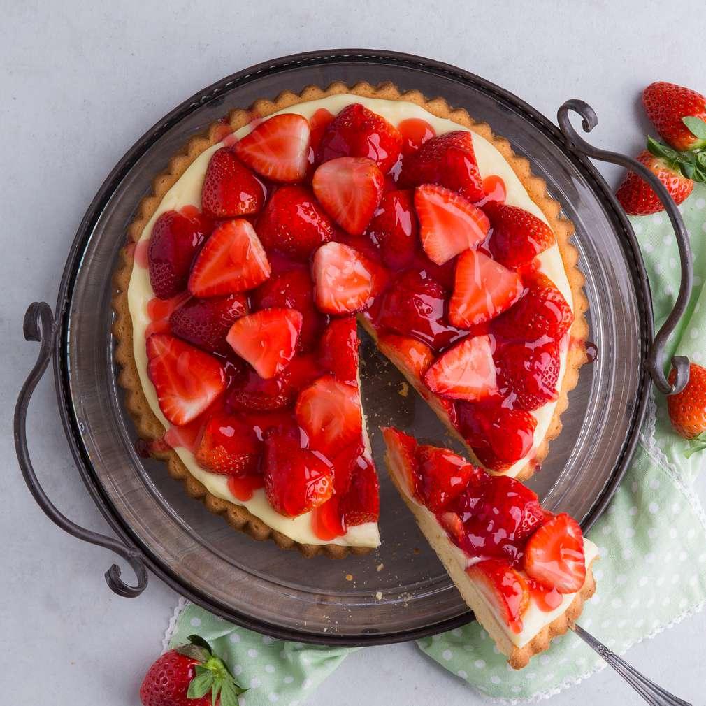 Abbildung des Rezepts Klassischer Erdbeerkuchen mit Obstboden und Pudding