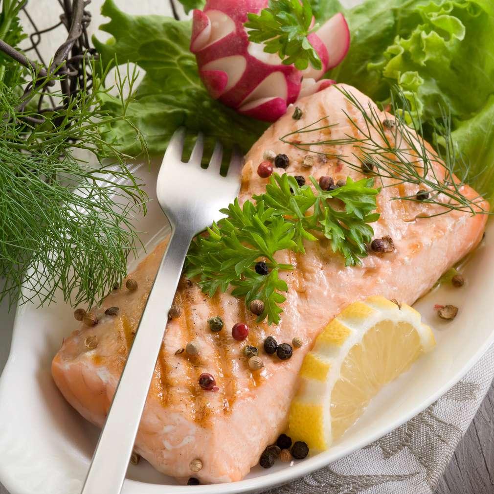 Imaginea rețetei Somon cu salată verde
