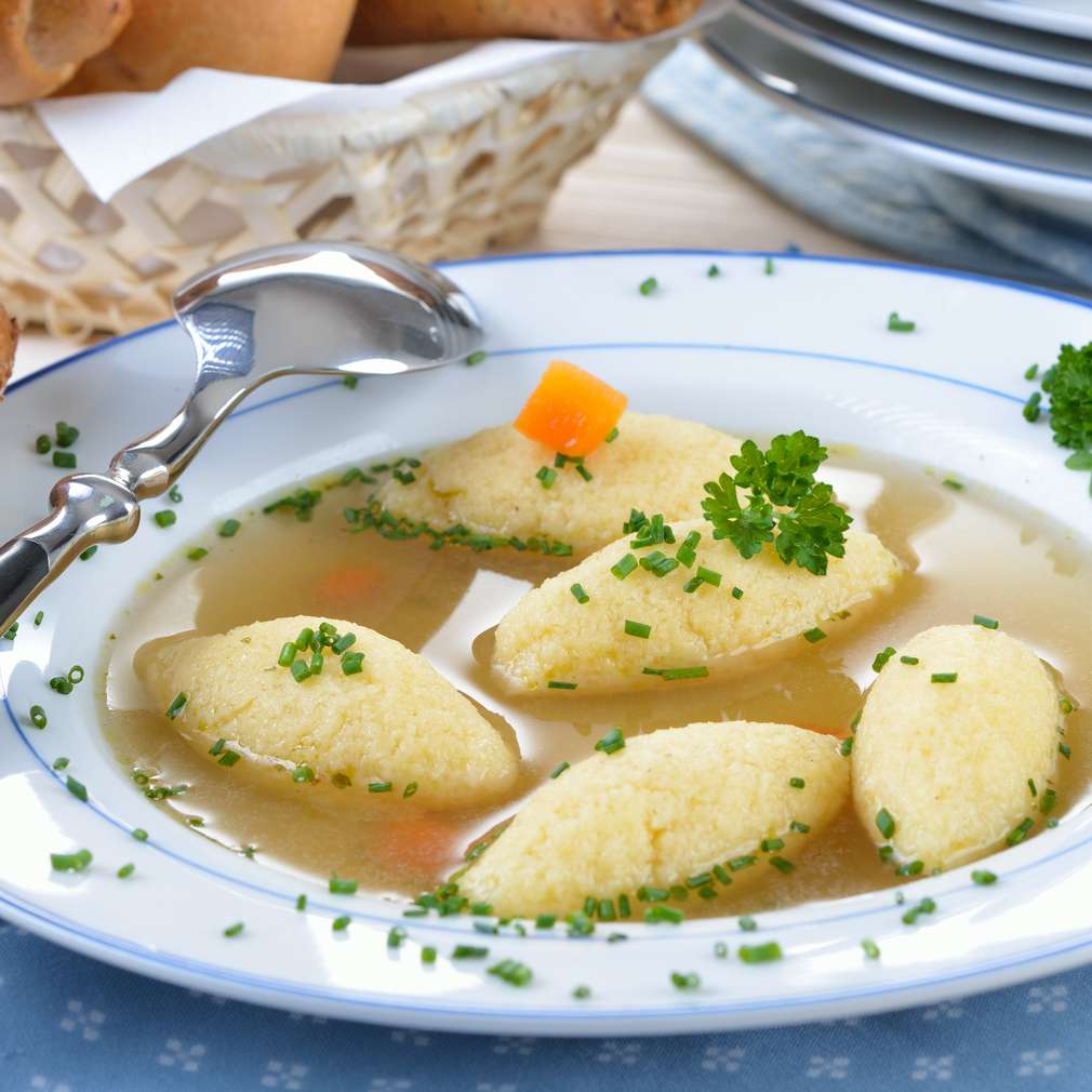 Supă tradițională cu găluşte