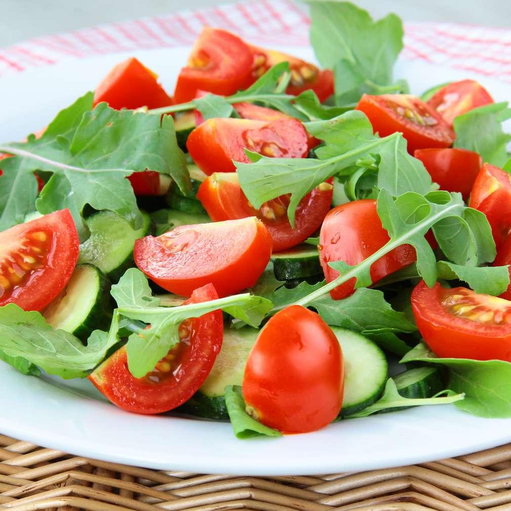 Salată de roșii cu rucola