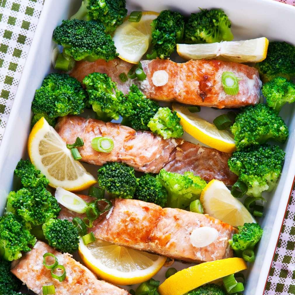 Somon cu broccoli