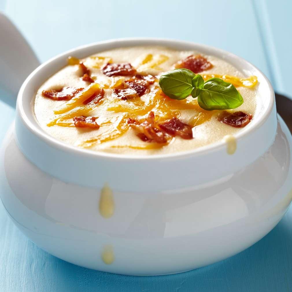 Imaginea rețetei Ciorbă de cartofi cu brânză şi bacon