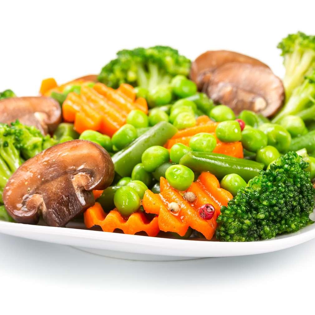 Salată caldă de legume