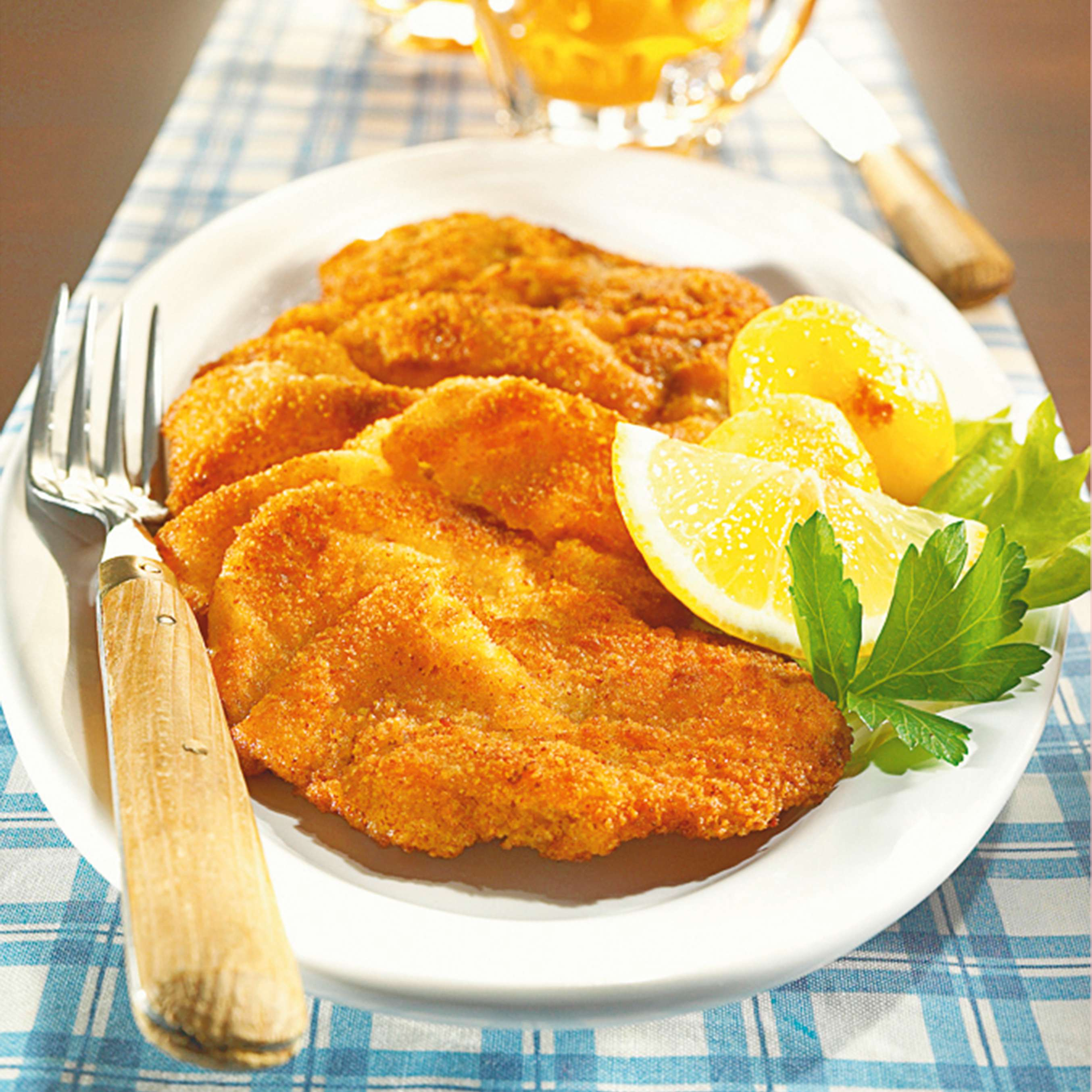 rezept f r wiener schnitzel mit butterkartoffeln kaufland. Black Bedroom Furniture Sets. Home Design Ideas