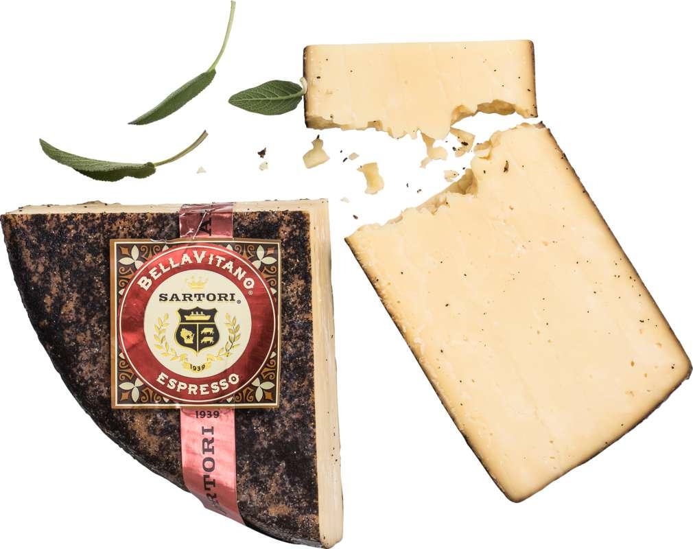 Abbildung des Sortimentsartikels Satori BellaVitano Espresso USA Hartkäse 45% Fett i.Tr.