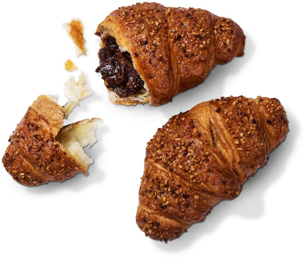 Abbildung des Sortimentsartikels  Buttercroissant mit Nuss-Nougat-Füllung