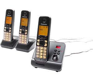 Abbildung des Angebots PANASONIC Trio-Telefon »KX-TG6723GB«